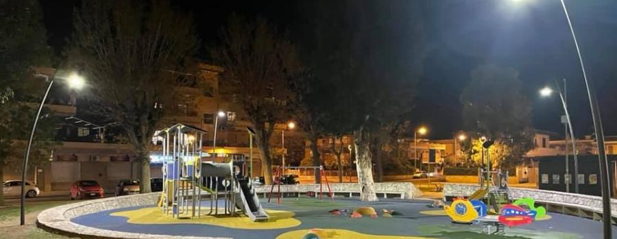 AREA GIOCHI PIAZZA DOMITILLA, NUOVI LAMPIONI AL LED